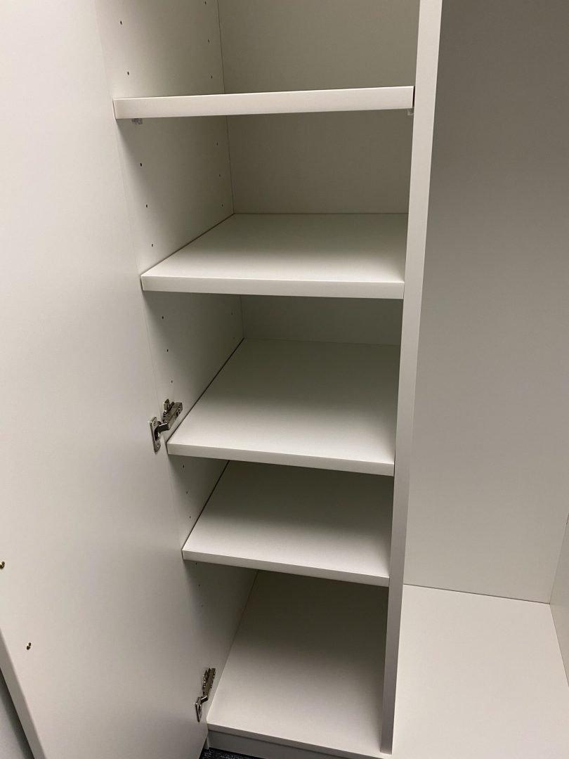 Detail on shelves