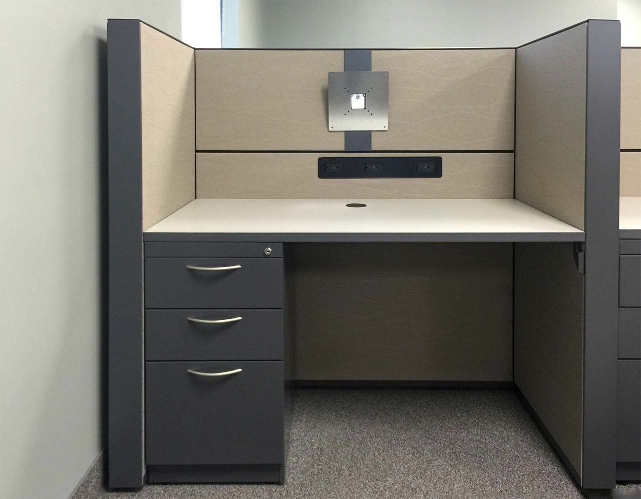 Station with Desk and Mixed Storage, power/data raceway