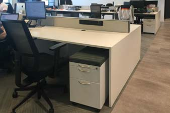 Benching with Pedestals, Screens and power/data raceway